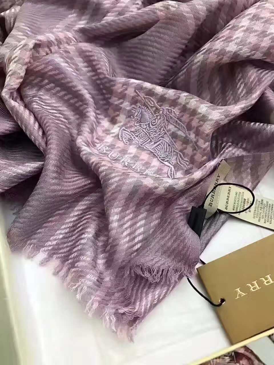 IMG_Luxury-Scarfs_1291